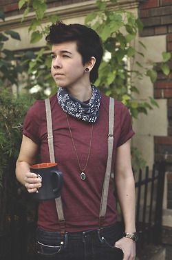 Hi! I'm Jess and I make accessories in my spare time. Check out my Etsy or Tumblr if you are so inclined :) Smart Tomboy; MoC
