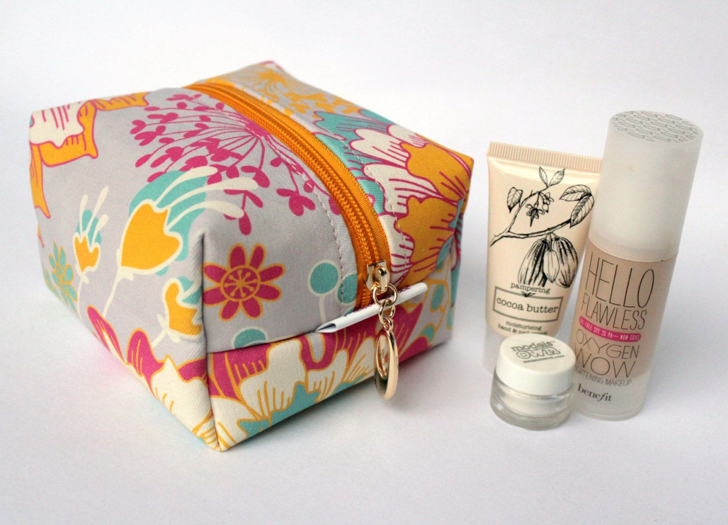 Medium square make up bag in exclusive Punto Belle designed fabric 'Sunshine' toiletries case, waterproof lining - pinned by pin4etsy.com