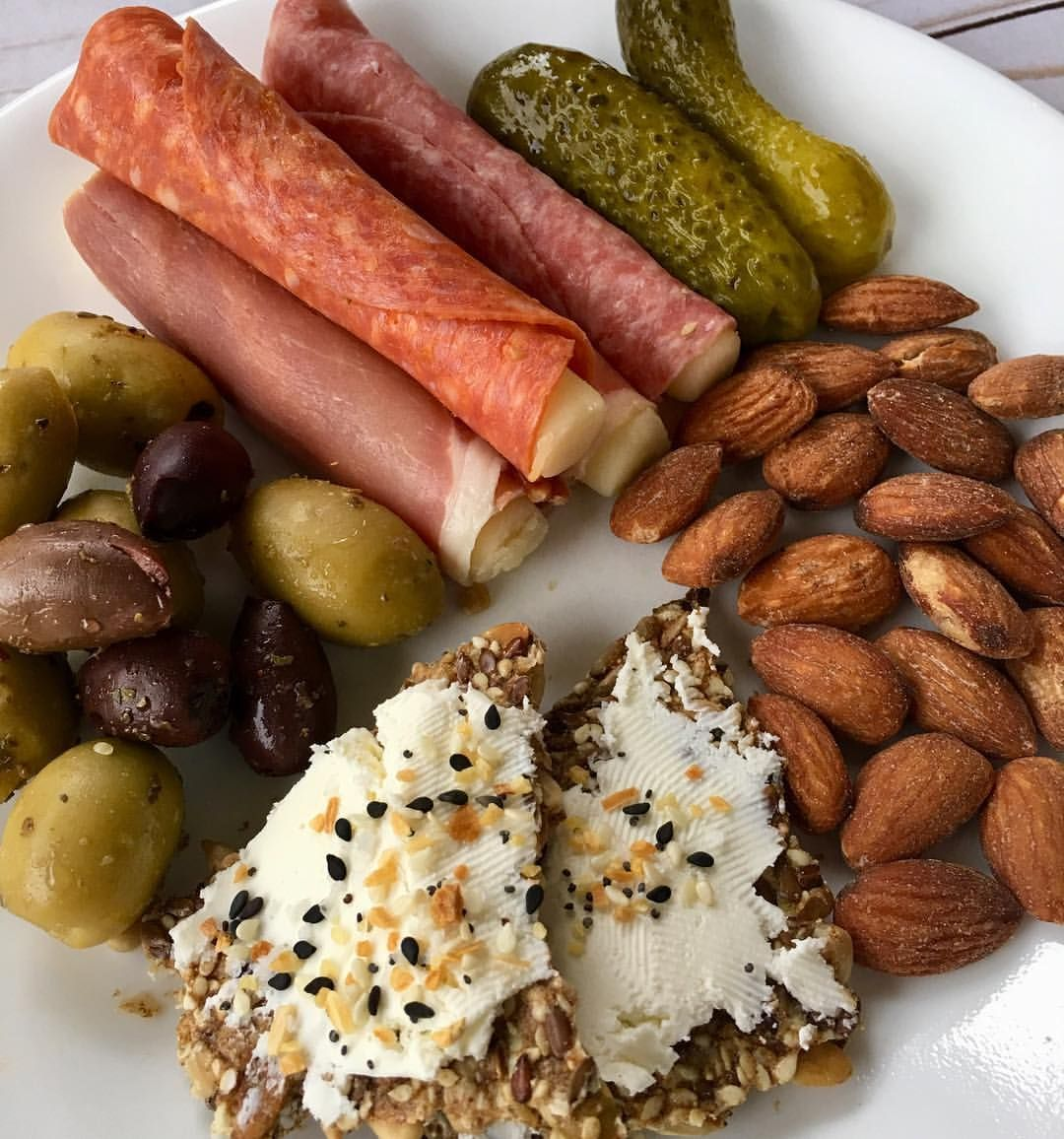 Snack Plate Lunch 129322 Olives Pickles Prosciutto Salami And Pepperoni Wrapped Around Mozzarella Sea Salted Almo Snack Plate Low Carb Lunch Keto Recipes