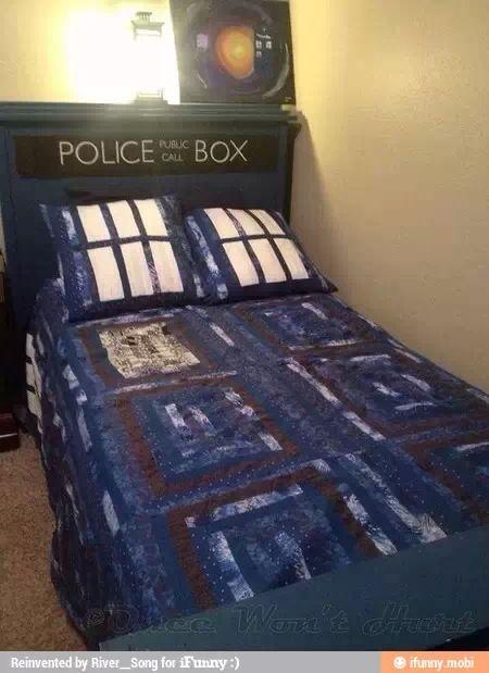 tardis bedspread bedroom ideas pinterest tardis doctor who rh pinterest com