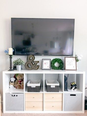 Our neutral modern farmhouse living room ikea kallax for Decoration kallax