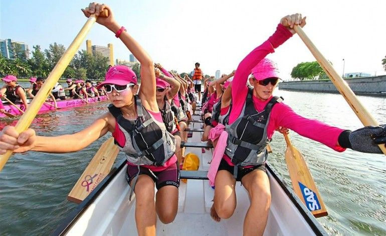 Paddling a dragon boat helped one woman with cancer recovery
