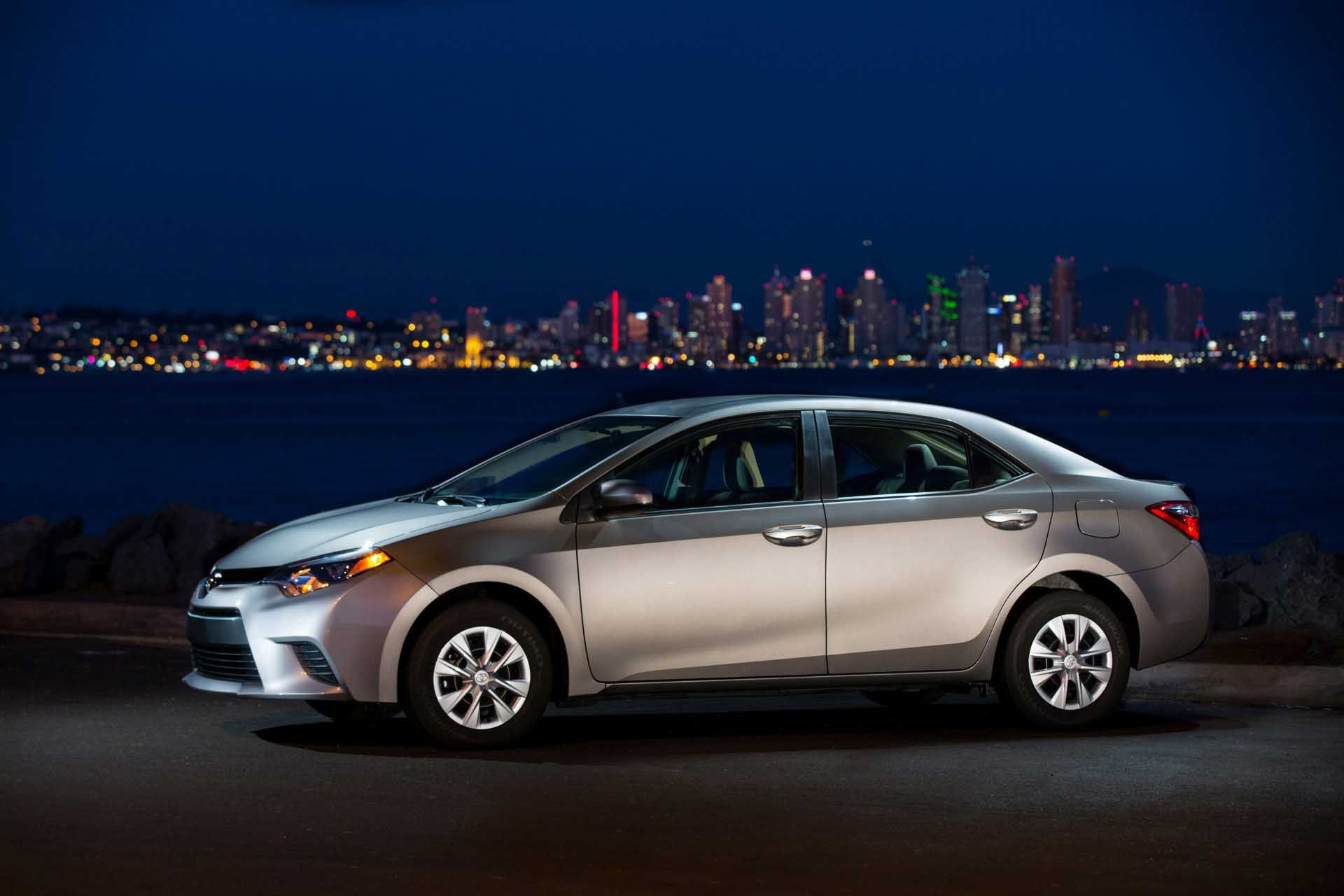 10 Attractive 2014 Toyota Corolla Night Views