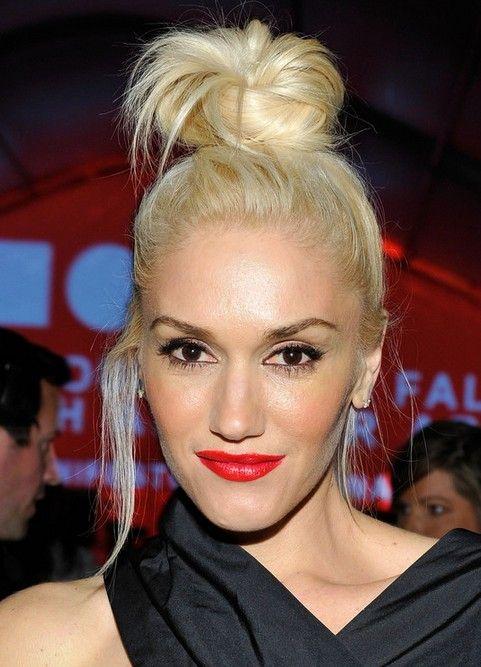 28 Gwen Stefani Hairstyles Gwen Stefani Hair Pictures Pretty Designs Gwen Stefani Hair Womens Hairstyles Medium Hair Styles