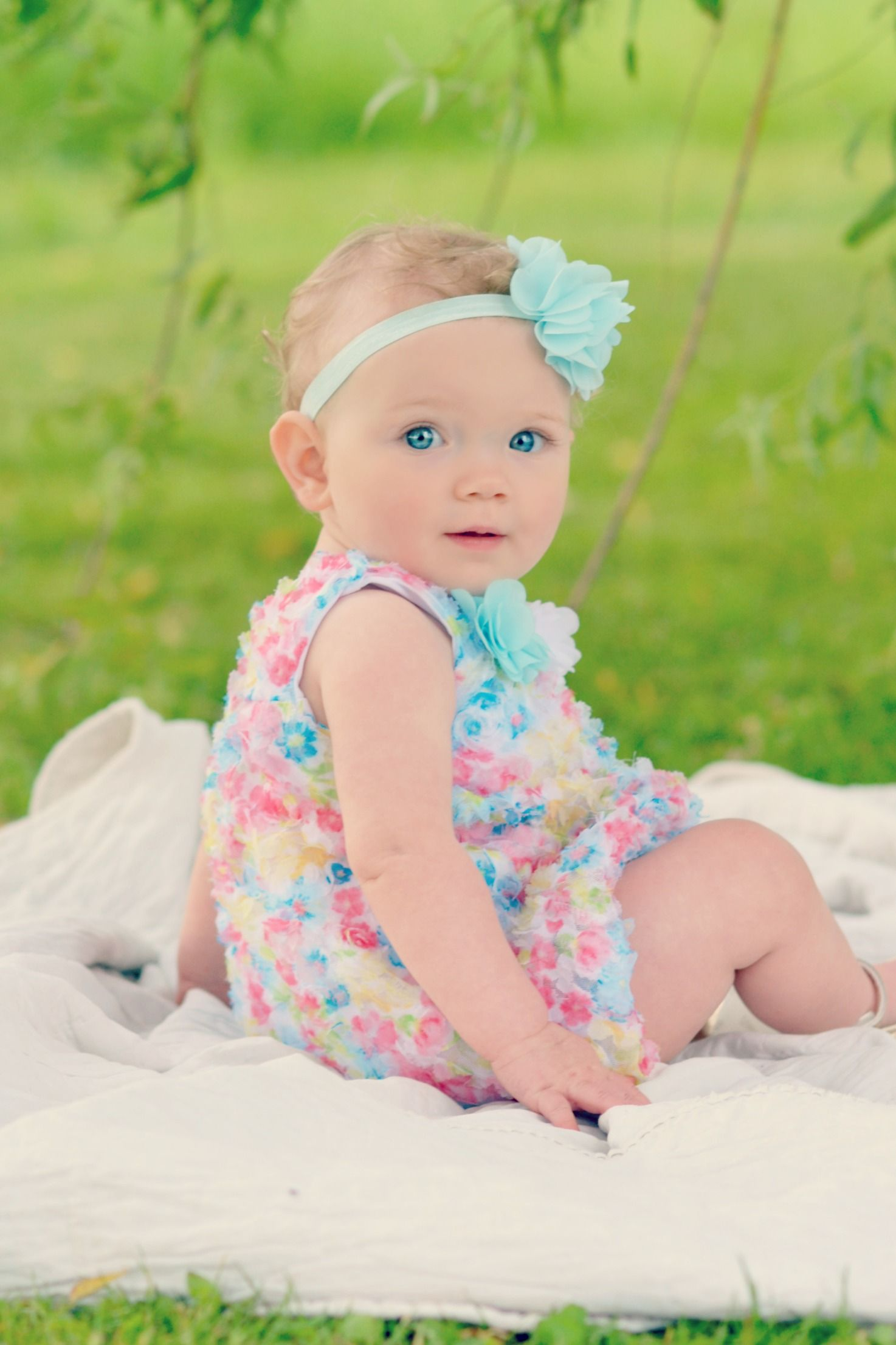 One year old girl picture | Baby girl photography