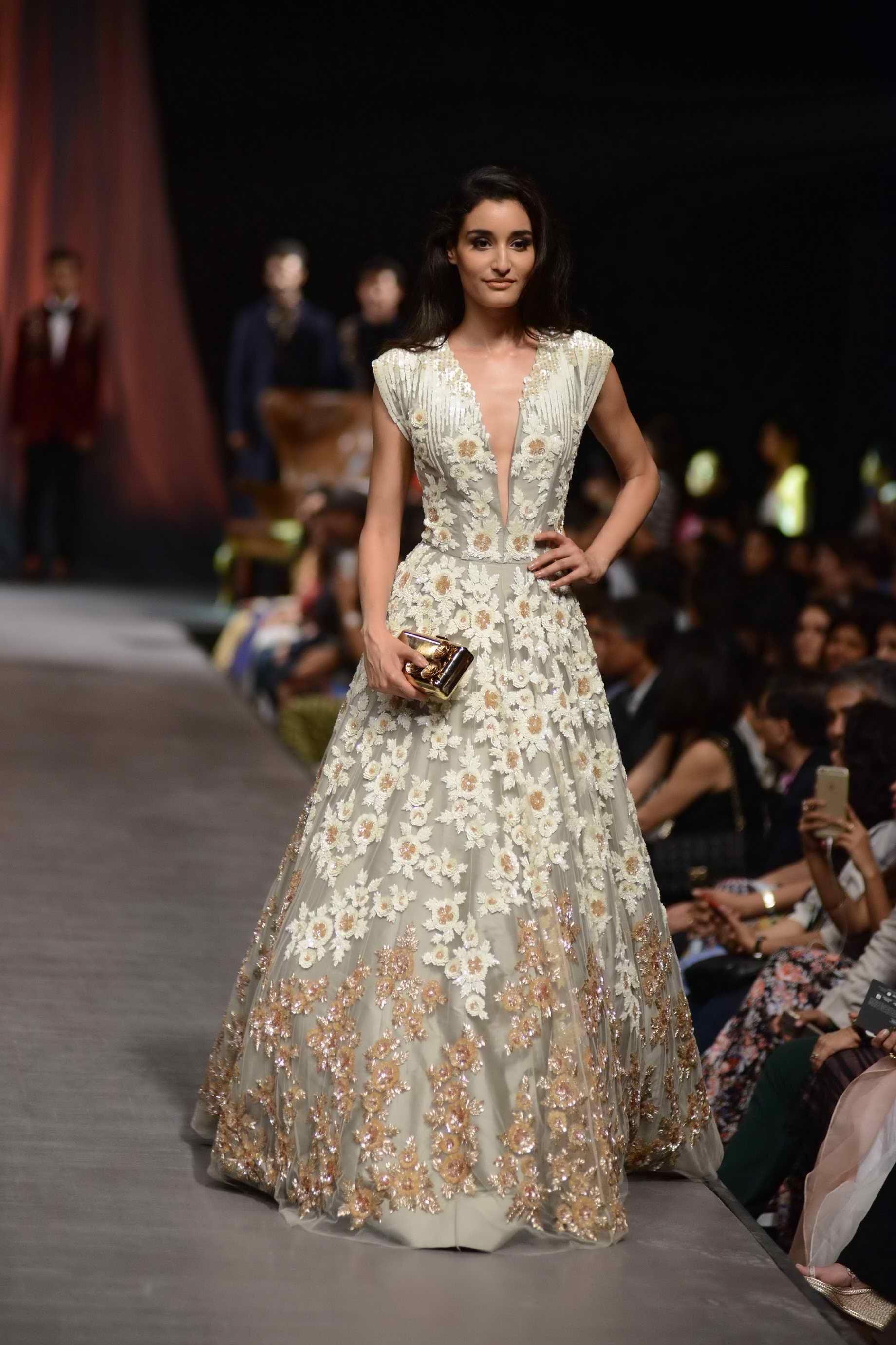 Manish Malhotra At Lfw Wf 2015 Designer Bridal Lehenga Bridal Lehenga Collection Indian Gowns