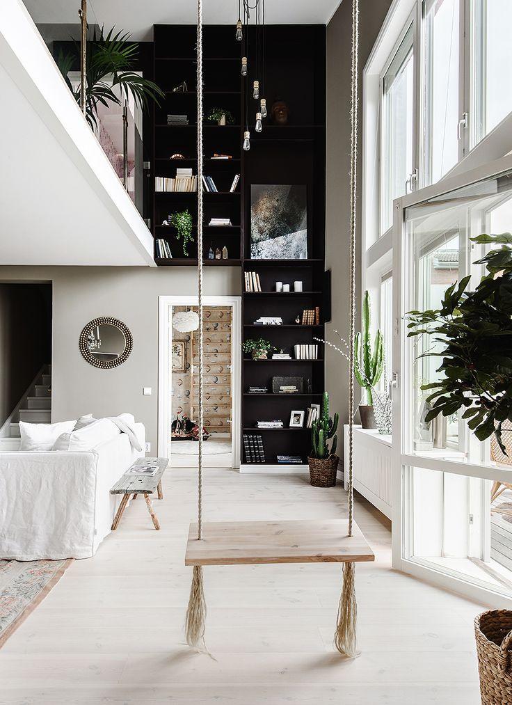 Un appartement avec balançoire Videos, Video home and Living rooms