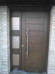 Puerta Exterior En Madera De Iroko Macizo Http Www Puertascamino Com Diseño De Puerta De Madera Puertas De Entrada Puertas De Entrada Modernas