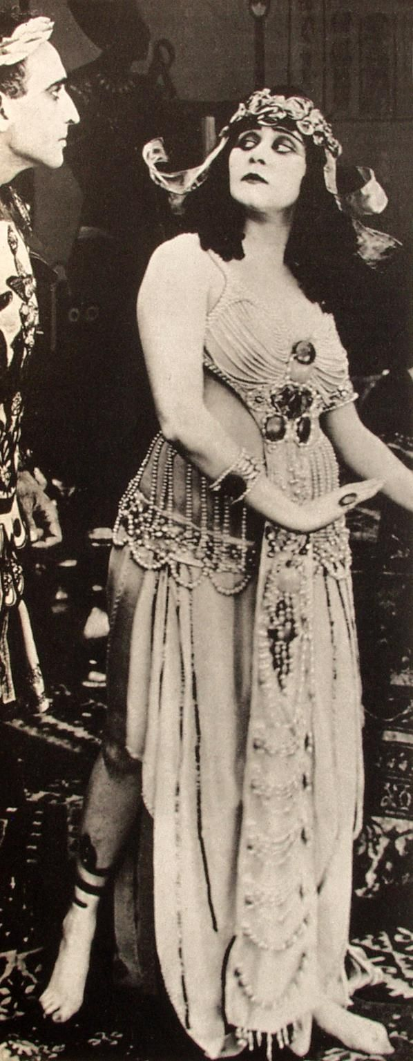 Theda bara was one of the most popular actresses of the silent era theda bara was one of the most popular actresses of the silent era and one of cinemas earliest sex symbols her femme fatale roles earned her the nickname biocorpaavc