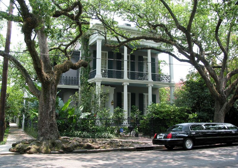 famous houses in new orleans house of author ann rice beautiful homes new orleans garden. Black Bedroom Furniture Sets. Home Design Ideas
