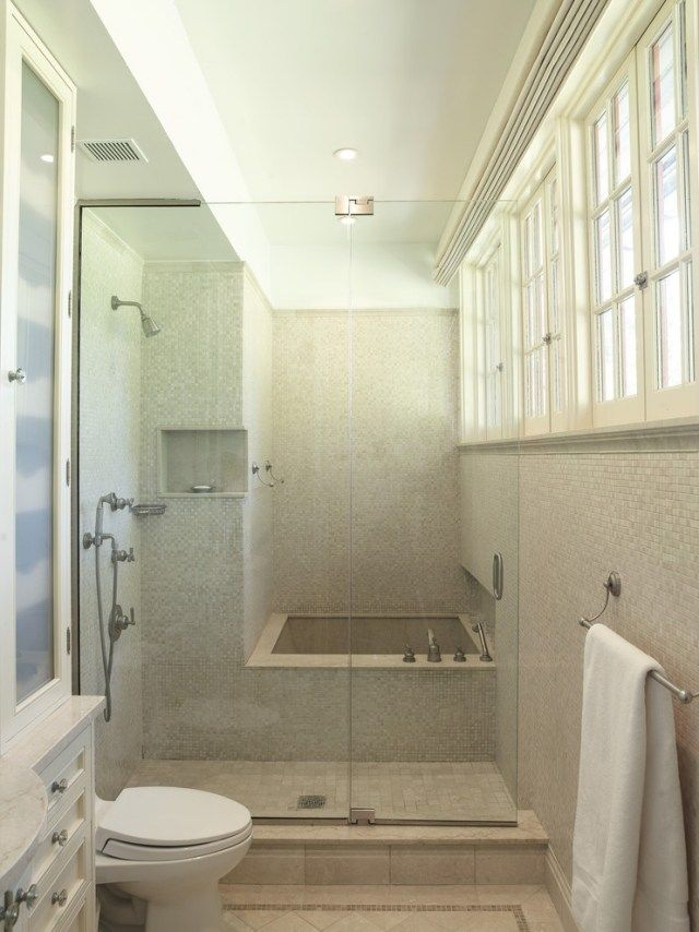 Petite salle de bains avec baignoire douche 27 id es for Salle de bain avec baignoire sur pied