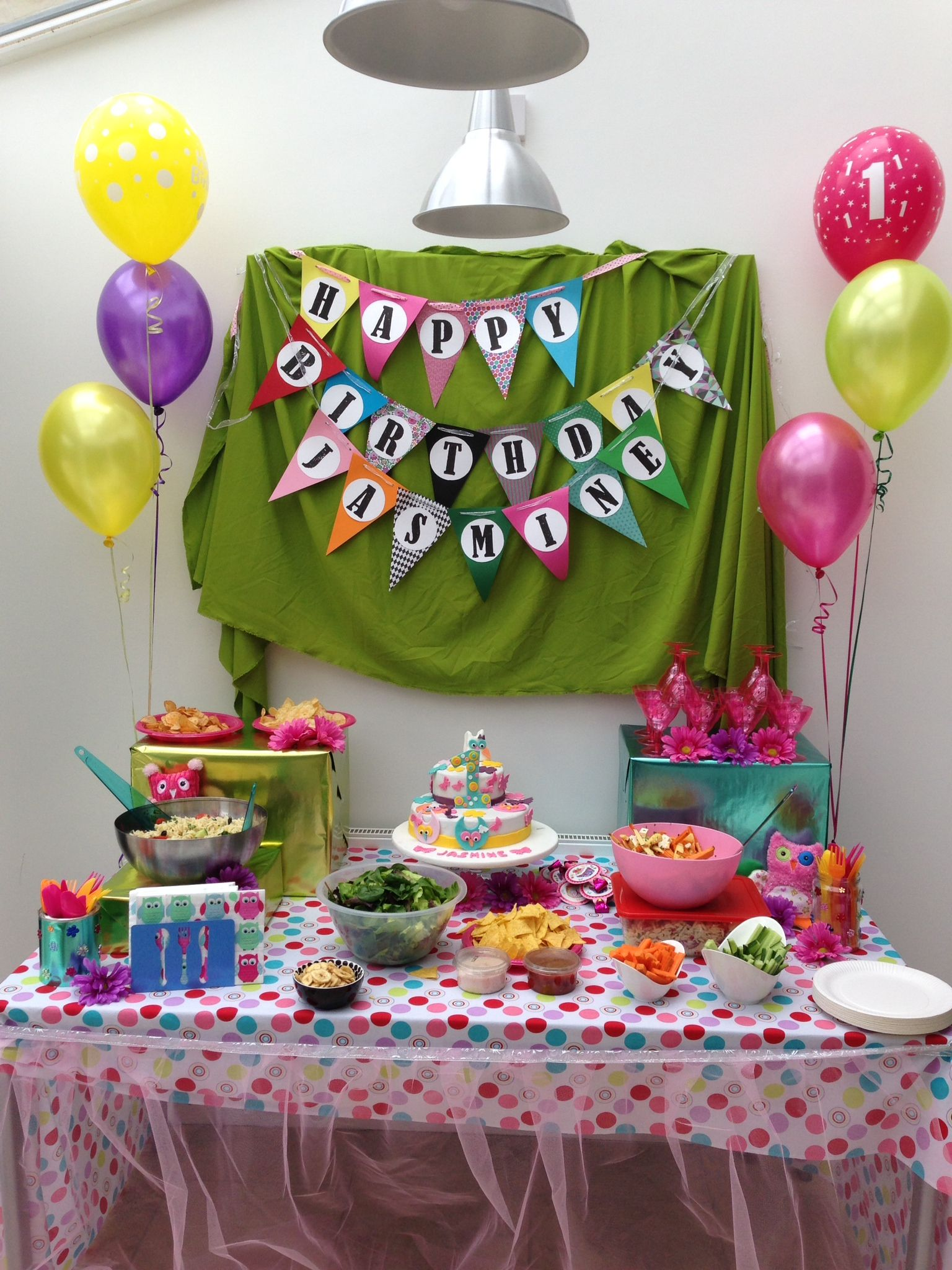 First birthday party table decoration with owl themed