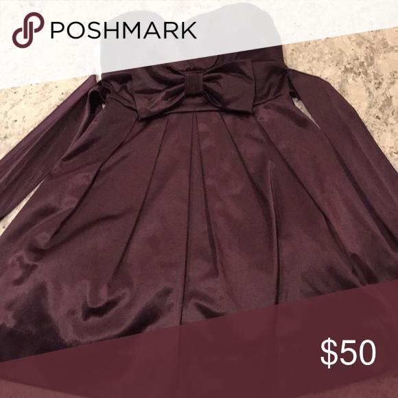 Trägerloses königliches lila Partykleid Dieses Kleid wurde zu einem anderen Schultanz getragen. …   – Bestrecipes