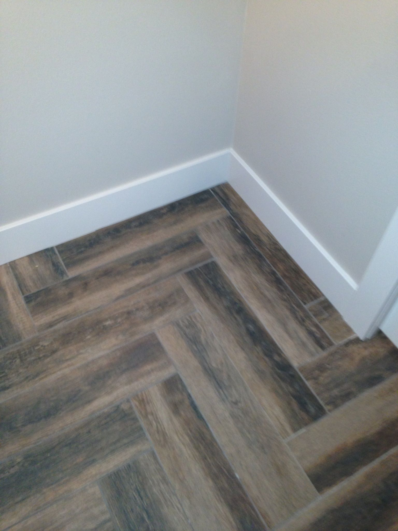 Luxury Porcelain Tiles That Look Like Wood Bathroom With Traditional White