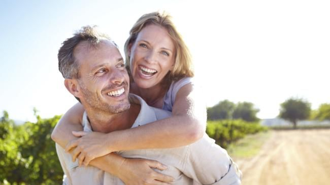 what is a normal age gap for dating