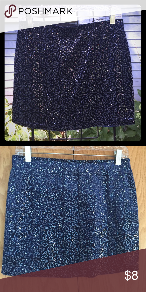 "Forever 21 - Navy sequined mini skirt Navy blue, sequined mini. Size M. Worn, like new condition. Elastic waist, 14.5"" long. Forever 21 Skirts Mini"