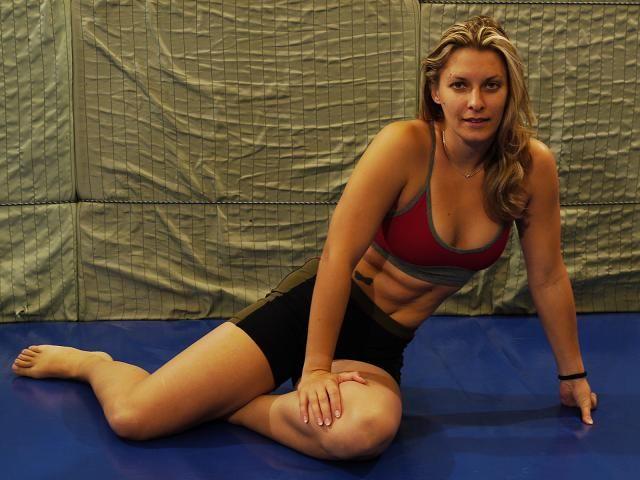 Mixed wrestling viktoria