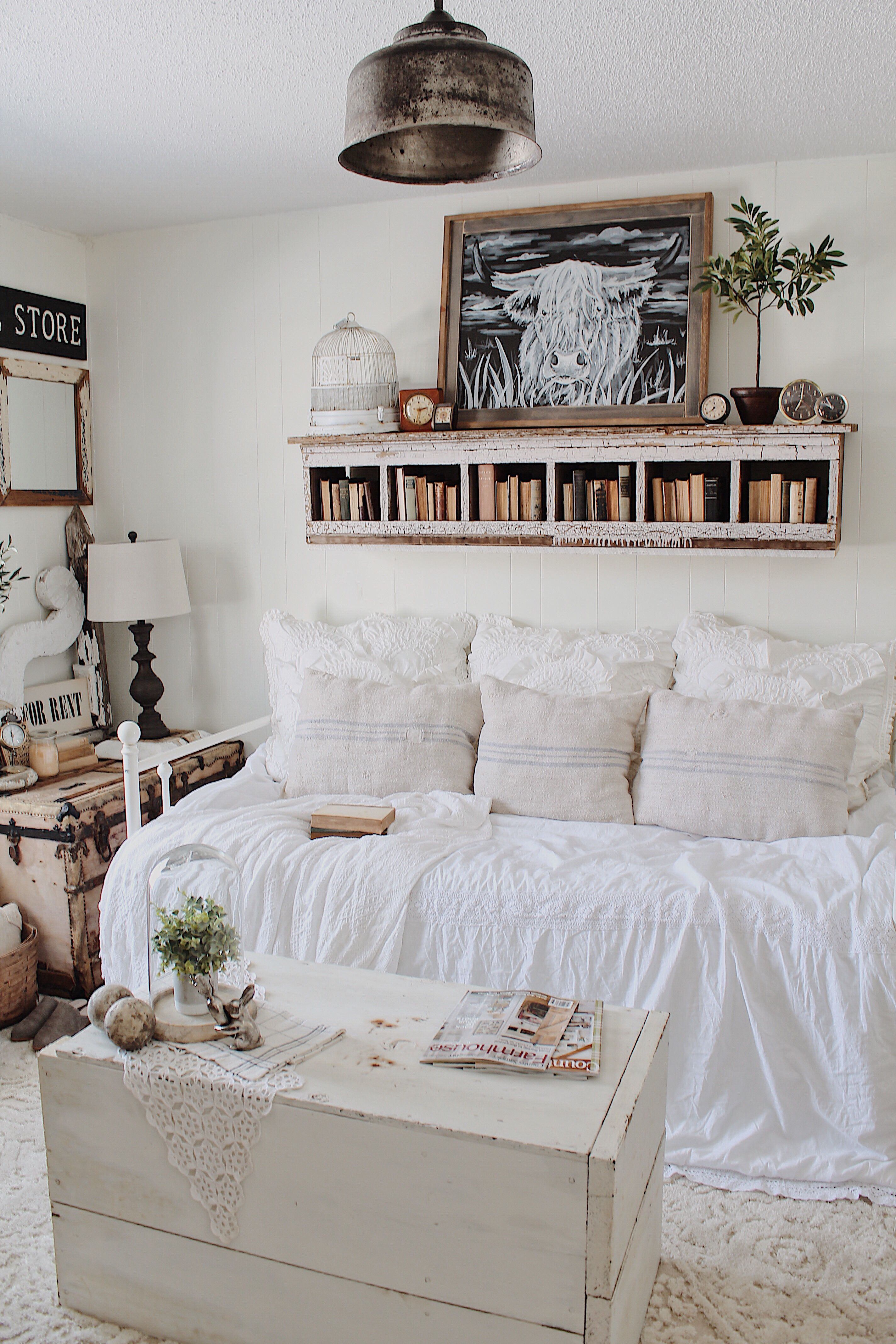 Guest Bedroom Cozy Farmhouse Daybed