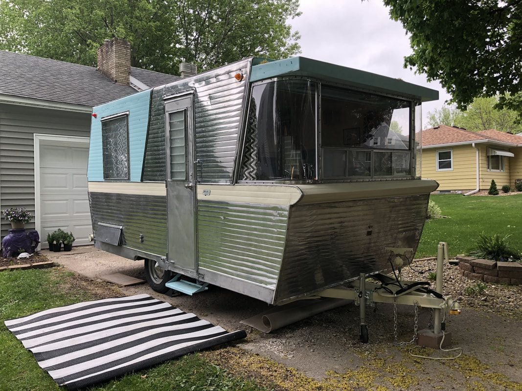 1960 17 Holiday House Make Your Dreams Come True Newly Remodeled Vintage Camper Vintage Motorhome Camper