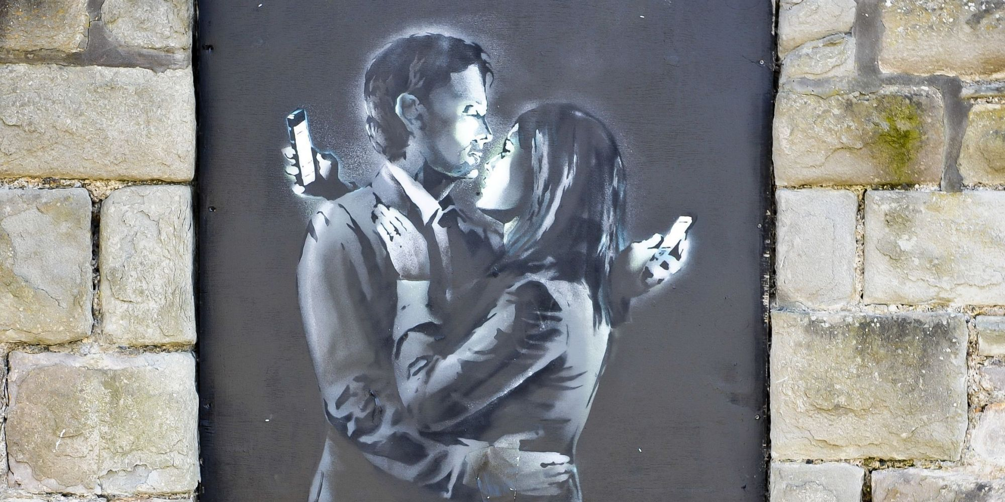 Yes Someone Brought A Banksy Mural On Antiques Roadshow Banksy Artwork Banksy Mural Banksy Mobile Lovers