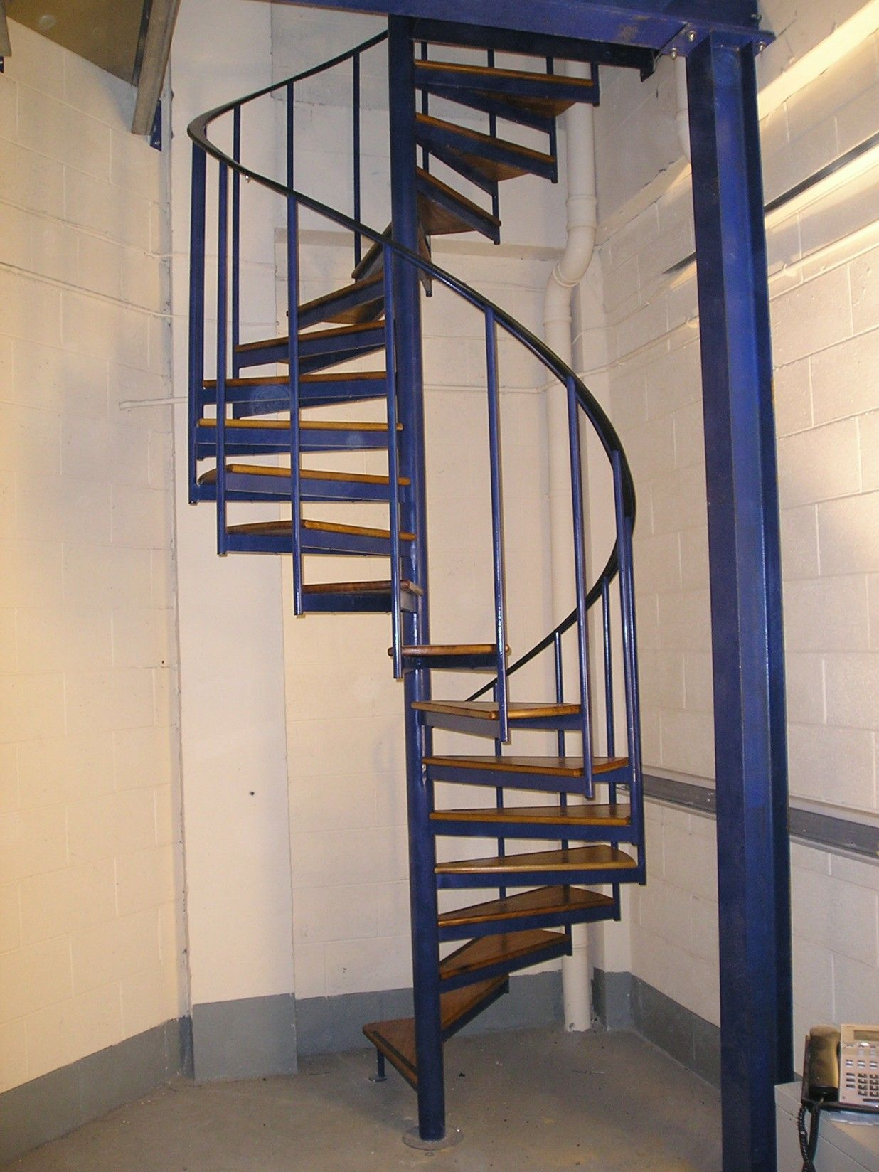 Best Industrial Spiral Staircase With Images Staircase 400 x 300