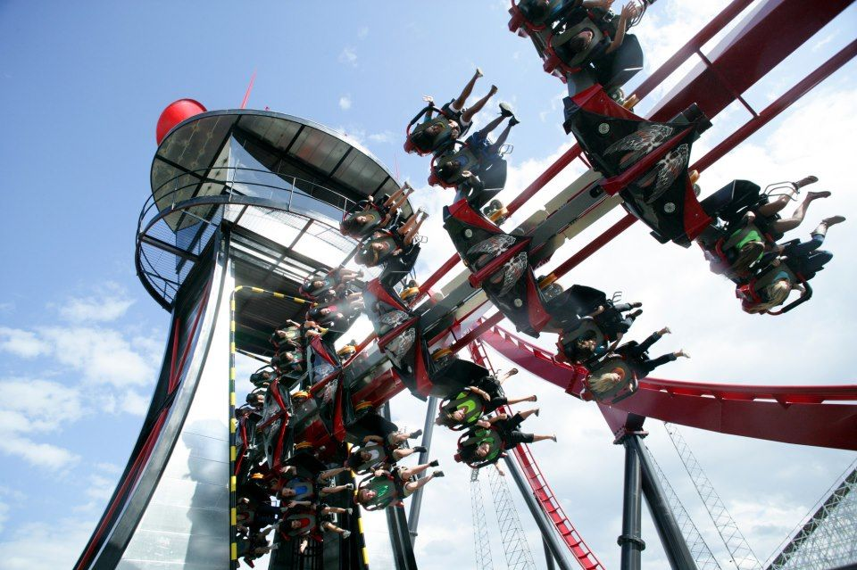 Fly Through On X Flight At Six Flags Great America Sixflags Great America Roller Coaster Amusement Park