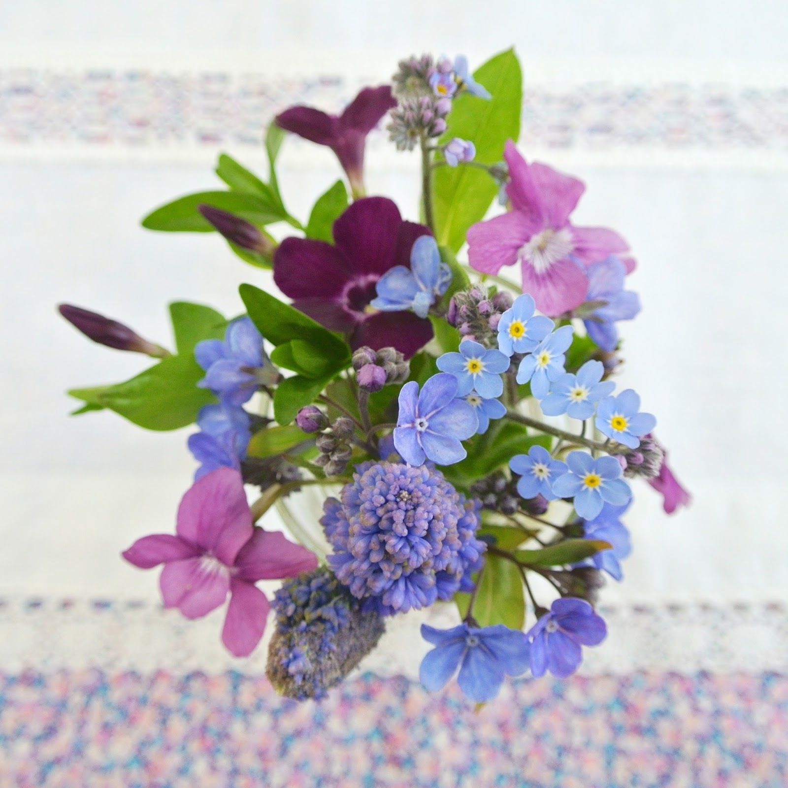 Sew Sweet Violet: Bedside Posy :: April ..... A Round Up Too