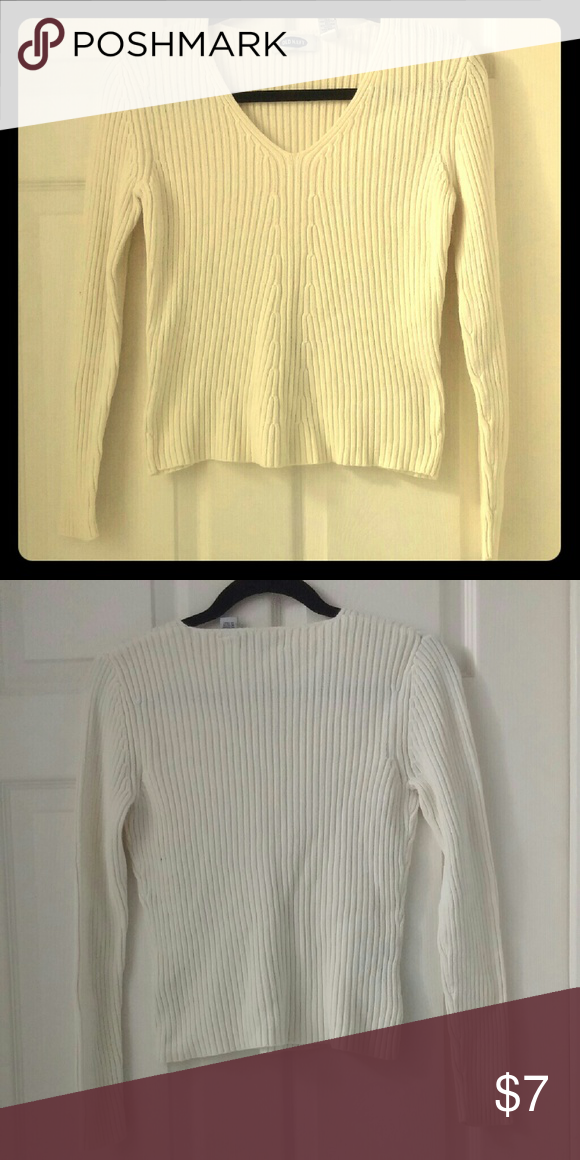 Old Navy 100% Cotton Off-White V-Neck Sweater Like New 100% cotton ...