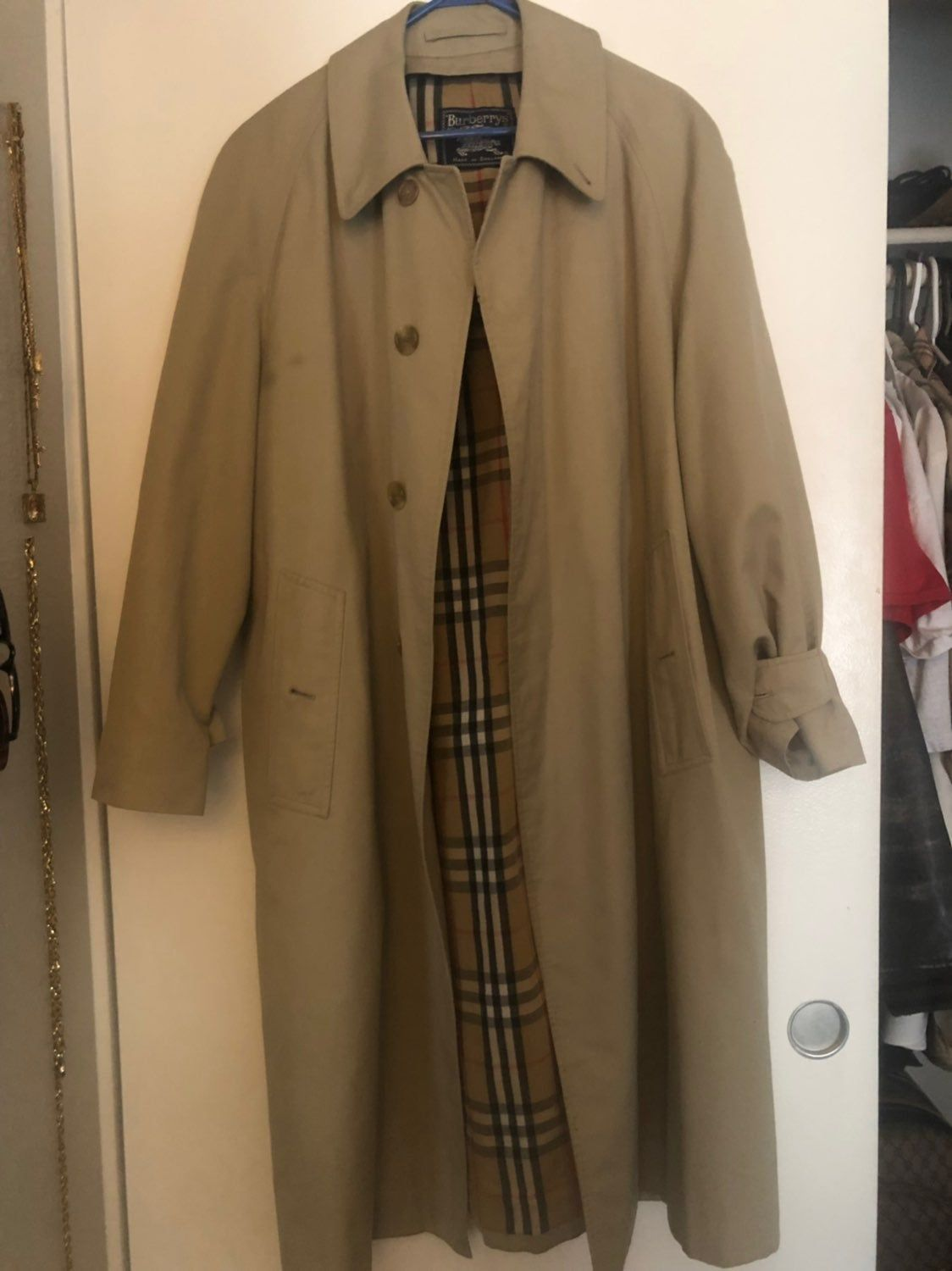 Authentic Burberry S Trench Coat Missing The Inner Lining And Has A Few Flaws Nova Check Print Unisex Coat Comes With A Fre Trench Coat Coat Burberry Trench