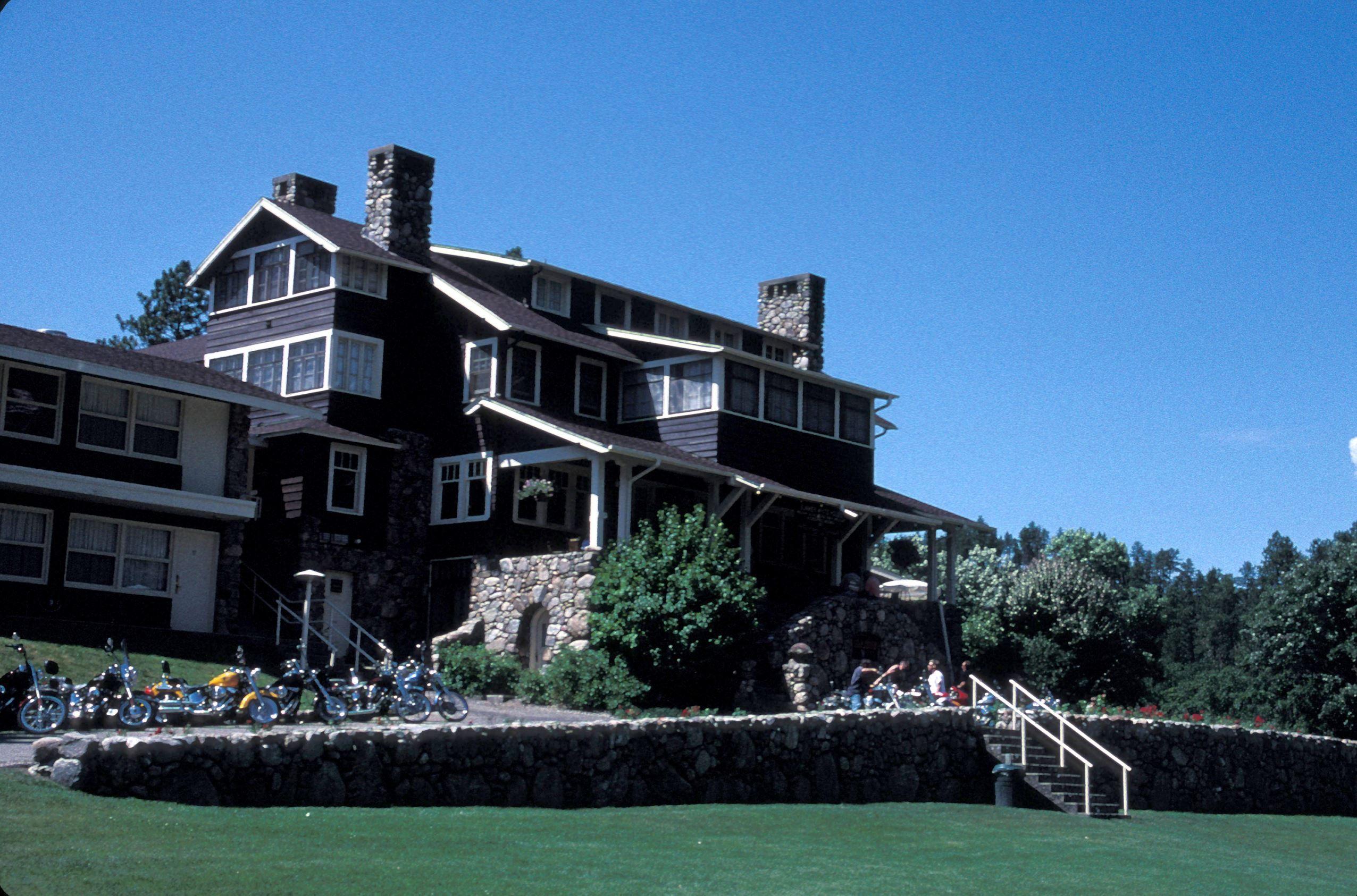 The Best Hotel In Every State South Dakota Custer Park Resort