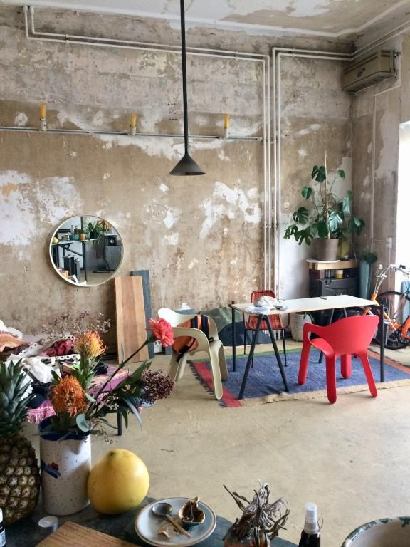 Unique un geräumige Wohnküche im Shabbychic-Stil #Wohnzimmer - esszimmer im wohnzimmer