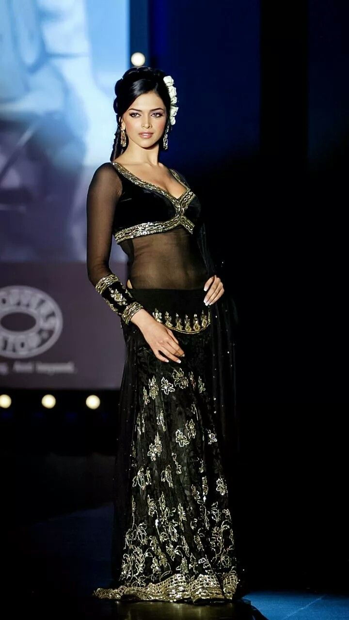 Pin by DHRUVI UPADHYAY on Deepika | Indian bollywood ...
