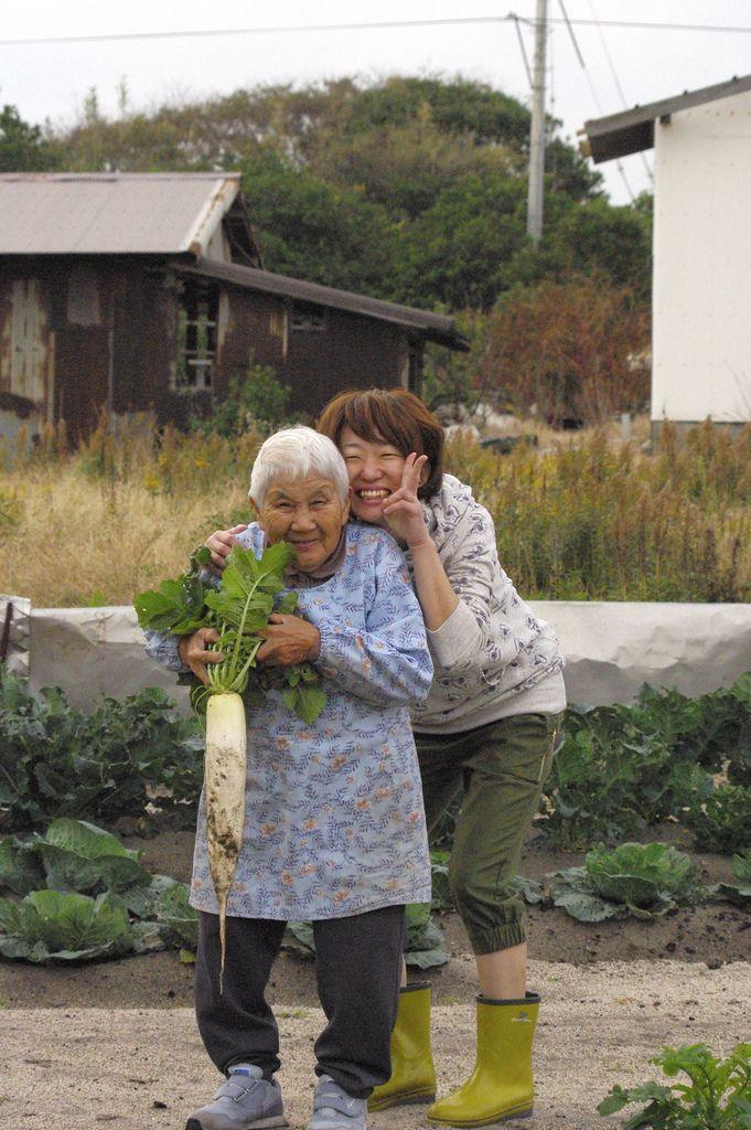 Grandma's Daily Life 畑仕事