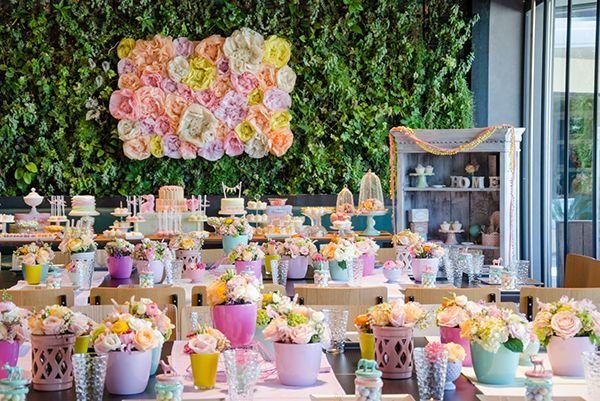 51805f298ce3 Ιδέες για βάπτιση κοριτσιού με θέμα την άνοιξη με γλυκά παστέλ χρώματα σε  αποχρώσεις του ροζ