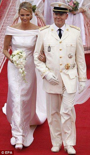 Is This The World S Biggest Wedding Cake Princess Charlene And Prince Albert Lavish Wedding Night Party Prinzessin Charlene Konigliche Hochzeit Royale Hochzeiten