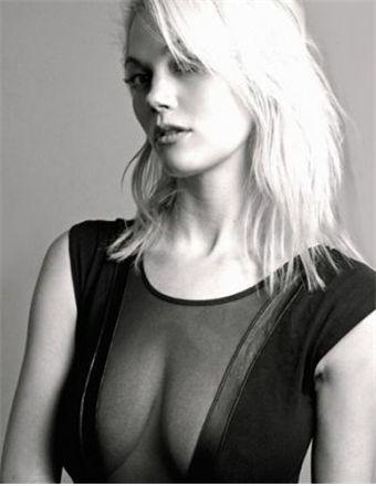 Alissa Bourne Nude Photos 88