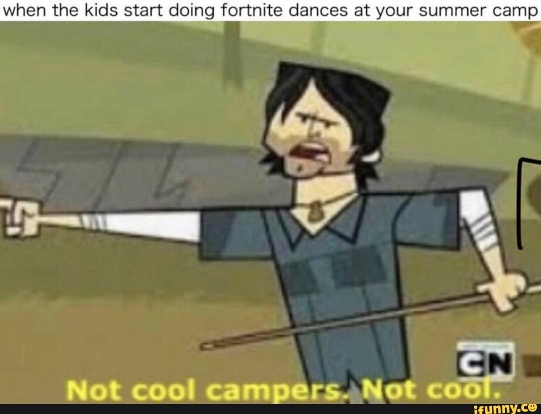 So True Fortnite Is Just A Bunch Of Kids Not Knowing How To Play And That Y I Don T Play Fortnite Funny Memes Kid Memes Funny Games