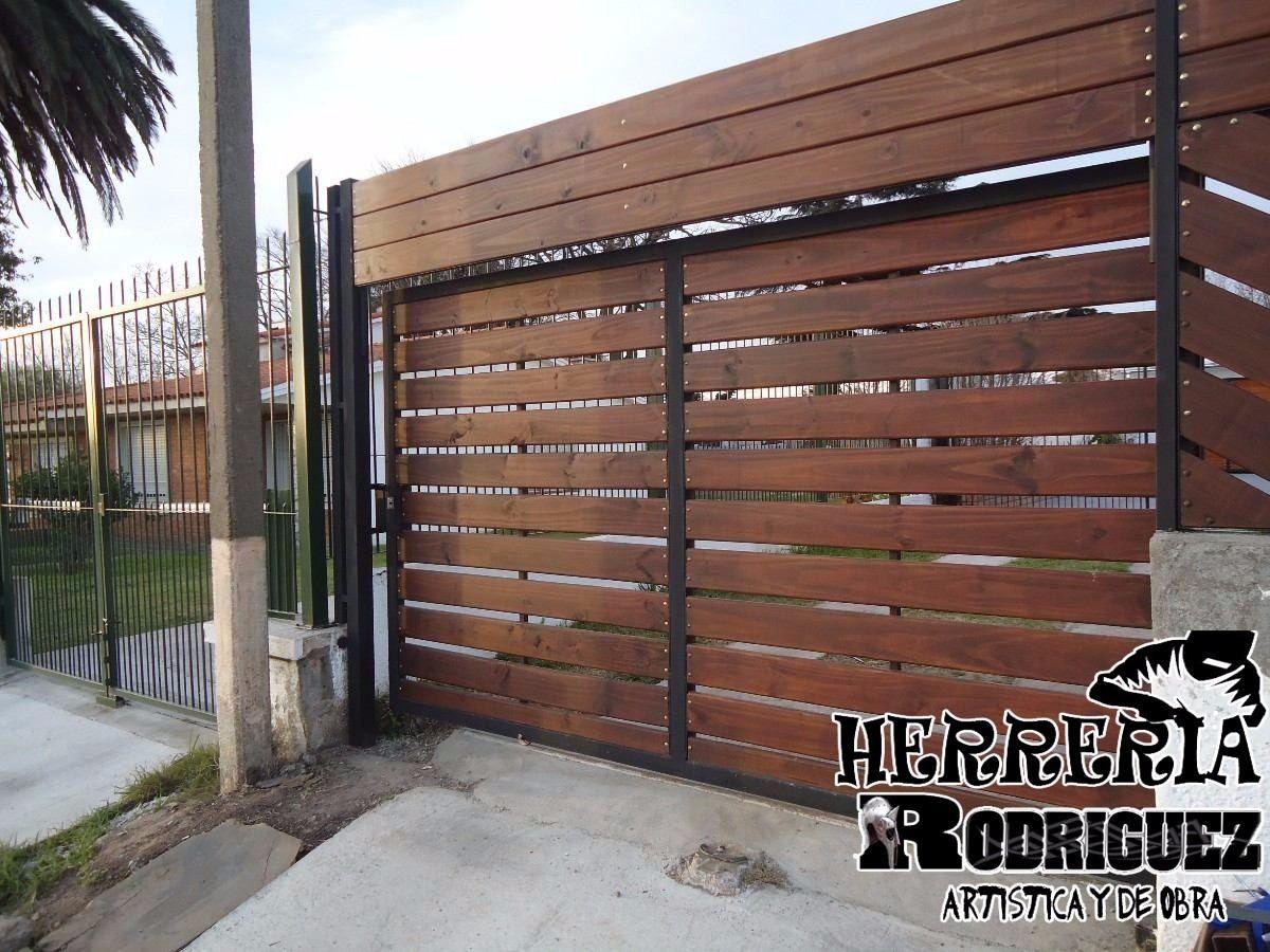 Portones puertas cerramientos en hierro y madera for Portones de entrada principal
