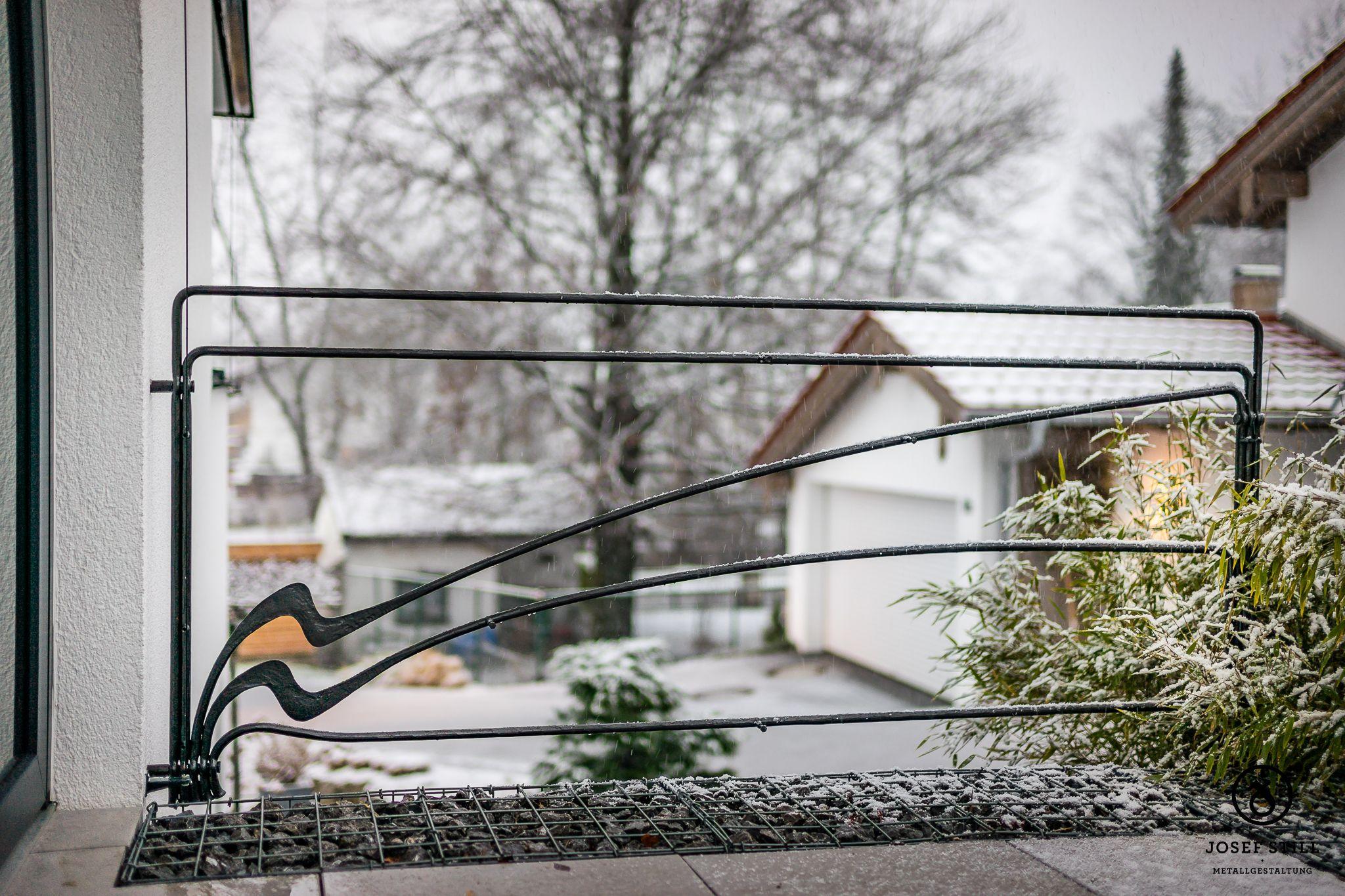 Terrassengelander Www Metall Schmiede De Kunstschmiede Gelander Treppe Handlauf Schmiede Munchen Rosenhe Terrassen Gelander Terrasse Haus Und Garten
