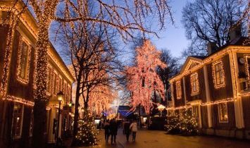 Raihaneh news | Christmas around the Christian world by National Geographic | Places to see ...