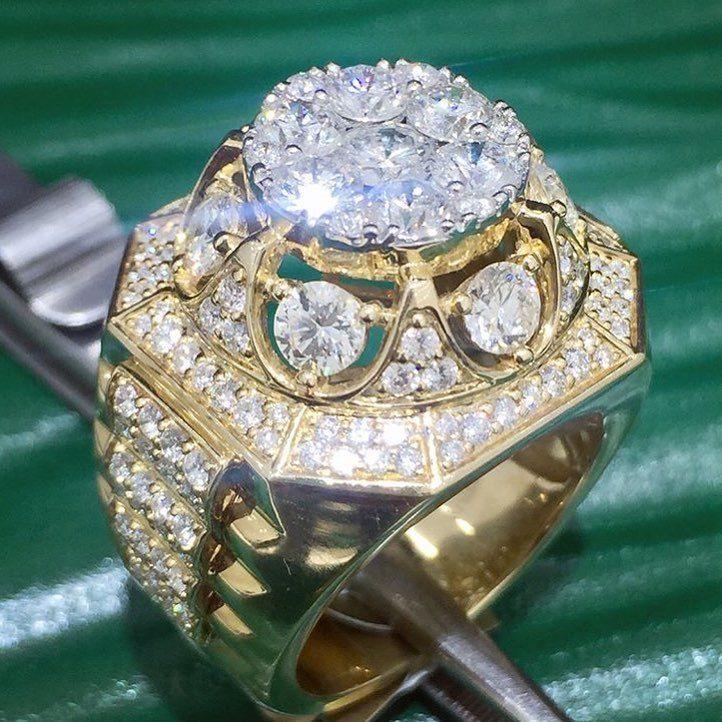 Mens 10K Yellow Gold Finish 5.00 Ct Round VVS1 Diamonds