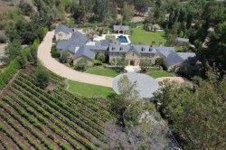 Kim Kardashian Und Kanye West Kaufen Ein Haus In Kalifornien Celebrity Houses Mansions Hollywood Homes