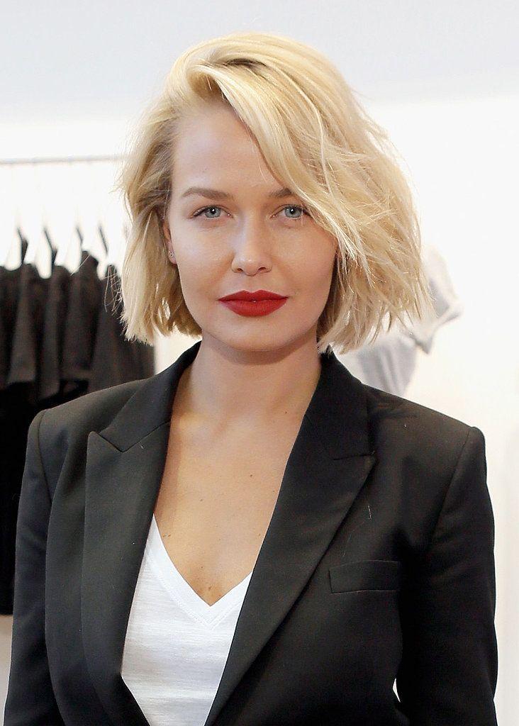 Lara Bingle Worthington Has The Best Hair Flips And Glowing Skin Cool Hairstyles Hair Styles Short Blonde Hair