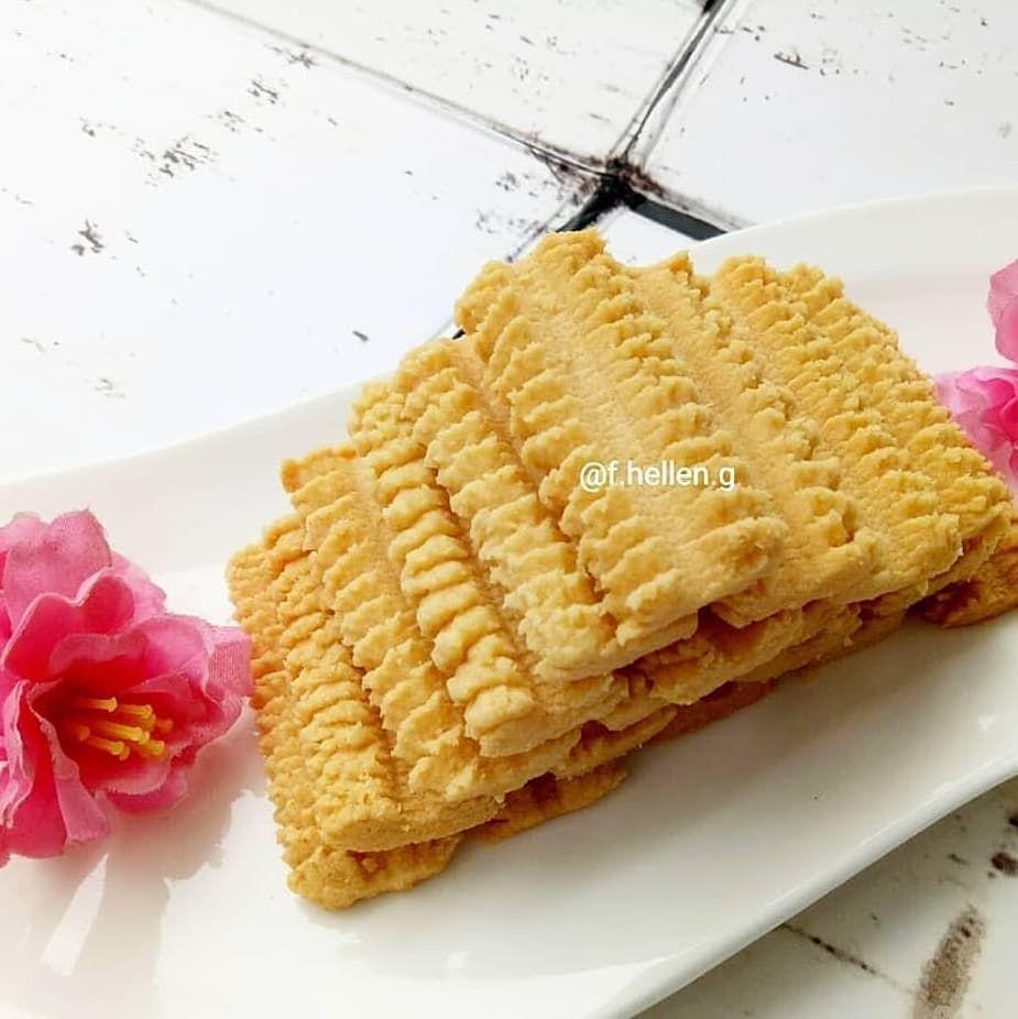 Reposted From Aneka Resep Kue Kering Thanks Dear F Hellen G Kue Semprit Jadul Ini Sih Hasil Bebikinan Waktu Menjelang Imlek Kue Kue Kering Resep Kue