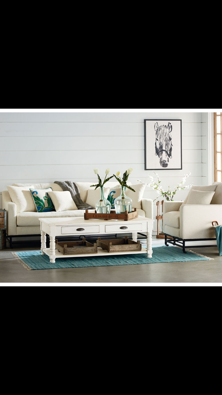 Use an assorted blend of different styles to create your own unique living room! With designs from Magnolia Home by Joanna Gaines, you can complete your very own happy place! #simplydiscountfurniture #magnoliahome #joannagaines #furniture #livingroom #uniquestyles #onestopshop #relaxation