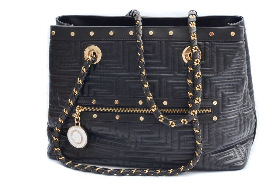 18215e61c533 Gianni Versace Couture Black Leather Gold Chain Shoulder Bag