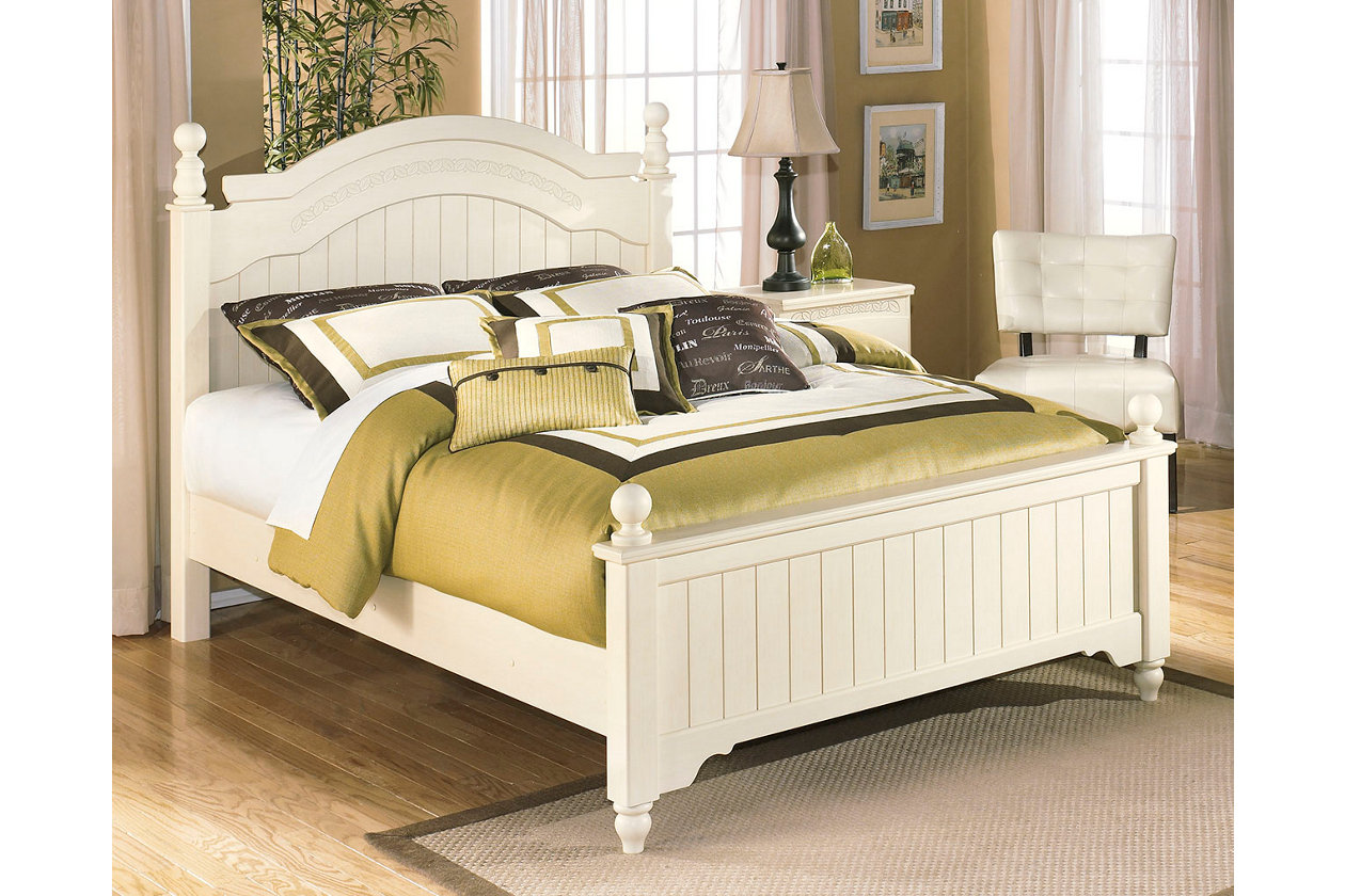 Cottage Retreat Queen Poster Bed, Cream Cottage | Bed ...