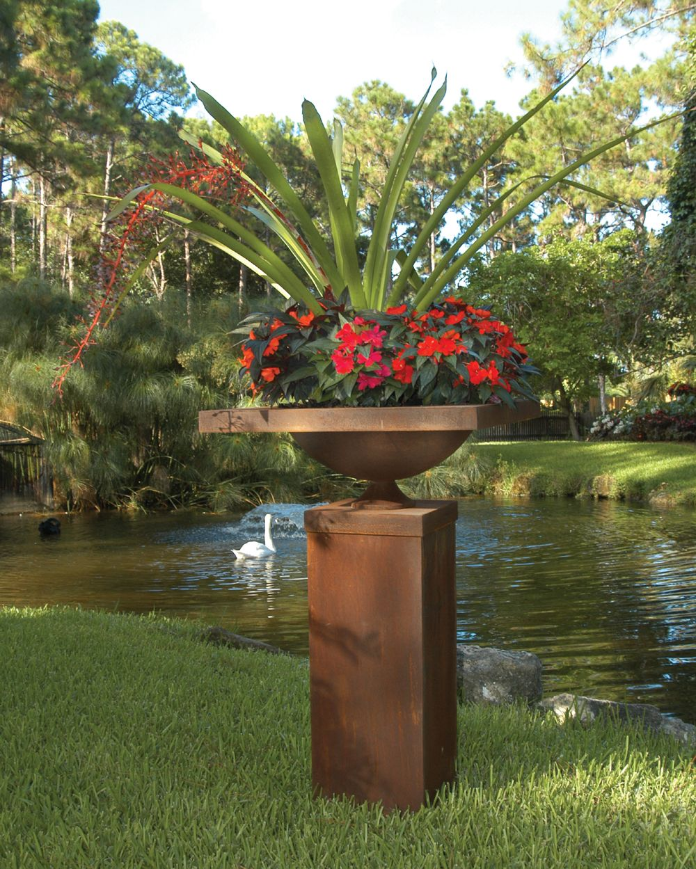 South Florida Tropical Landscape Ideas Planter Container: Bromeliads Form The Centerpiece (one Of My Favorite
