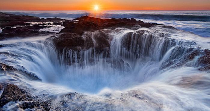 El Agujero En El Mar Que Sorprende En Oregon Cascadas Bonitas Lugares Maravillosos Costa De Oregon