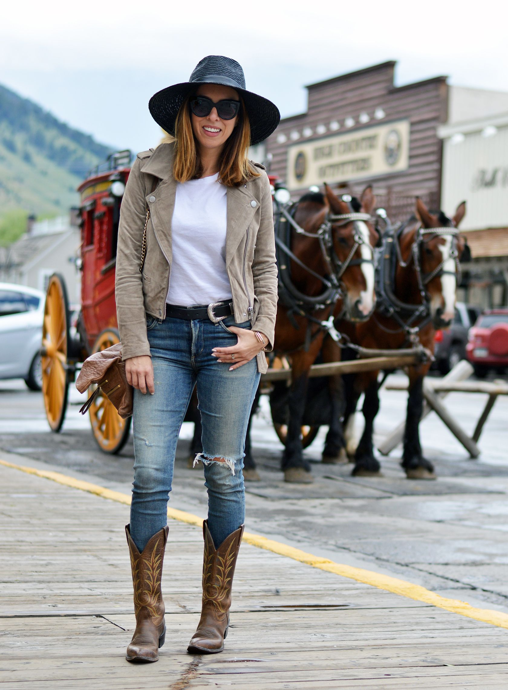 b0eab806c9 Are Cowboy Boots In Style? Cowboy Boots from Day to Night | Sydne ...